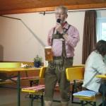 Günther Grieser hält eine Ansprache